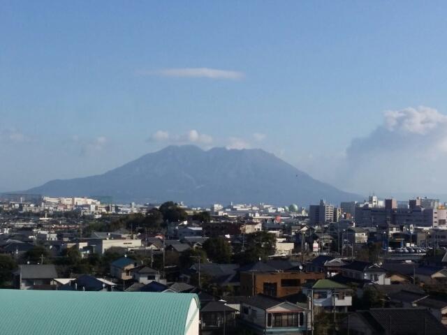 特急 指宿の玉手箱から撮影した桜島